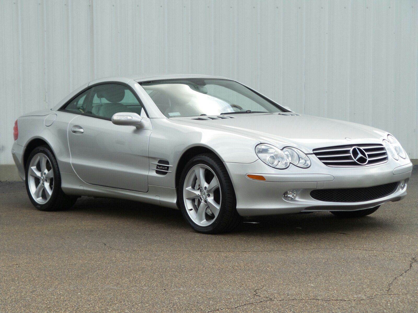 Pre-Owned 2005 Mercedes-Benz SL 600