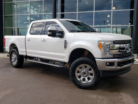 Pre-Owned 2017 Ford F-250SD Lariat